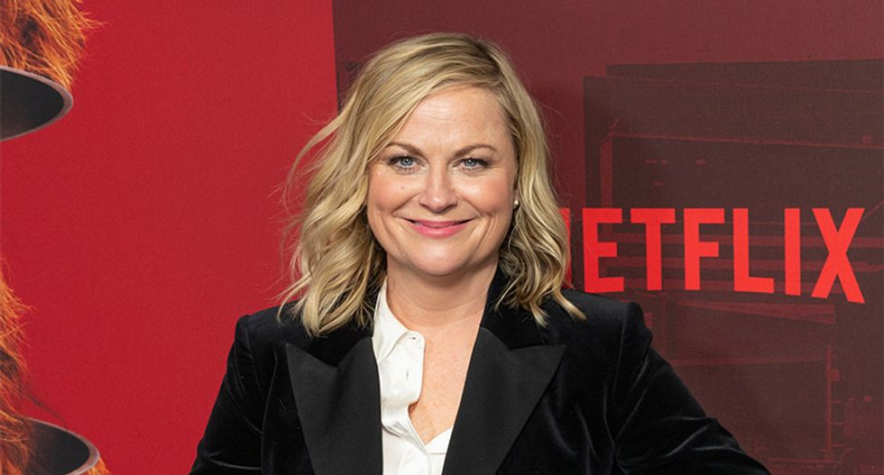 Amy Poehler offers the perfect analogy for Twitter: Like 'a lovely dinner with all your friends' — but...