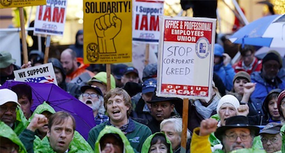 NLRB suspends unionizing amid COVID-19 crisis