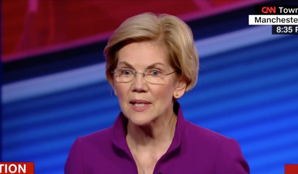Elizabeth Warren admits she used to be a Republican — and explains why she abandoned the party