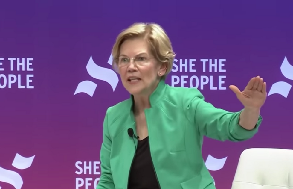 Elizabeth Warren is going after Trump's sister as part of her far-reaching ethics campaign: report