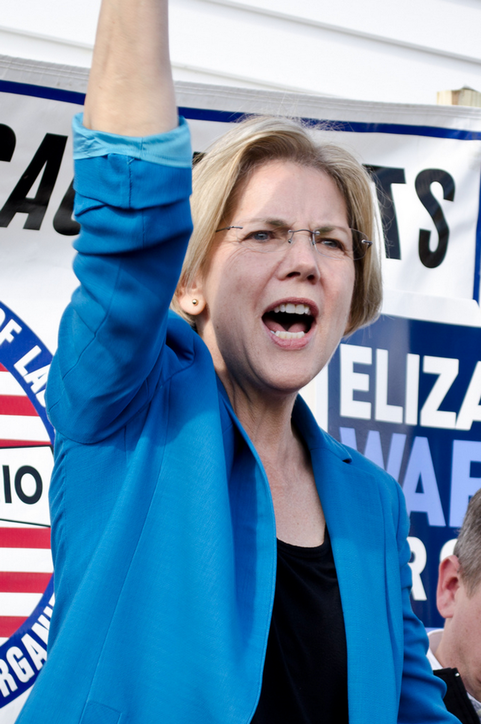 Two Native American Geneticists Explain the Outrage Over Elizabeth Warren's DNA Test