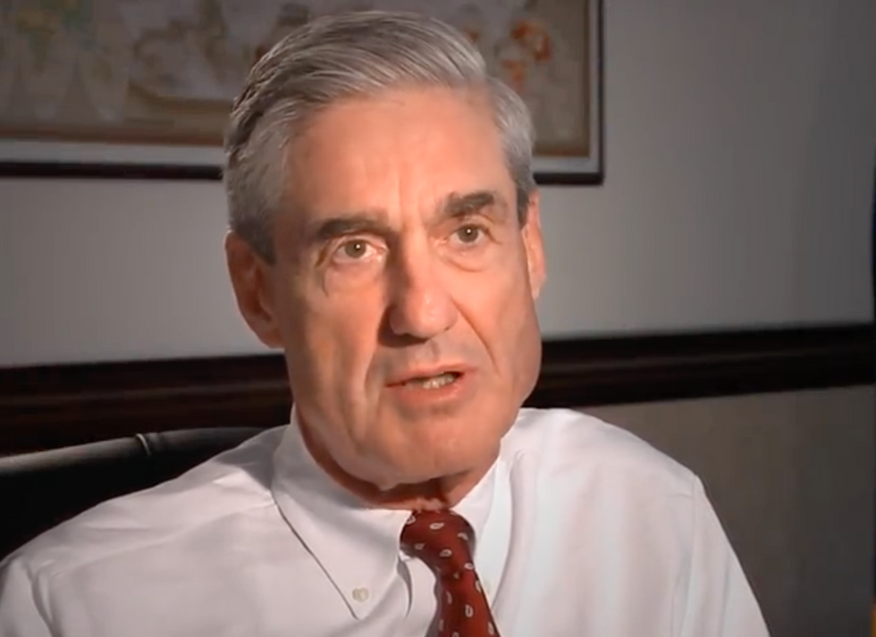 Trump's Criminal Ex-Campaign Chair Almost Reached Deal with Robert Mueller  -  But It All Fell Apart: Report