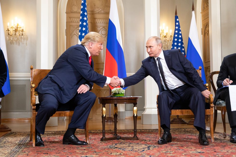 How Putin Could Be Planning to Make a Fool Out of Trump  -  And Throw the United States into Chaos