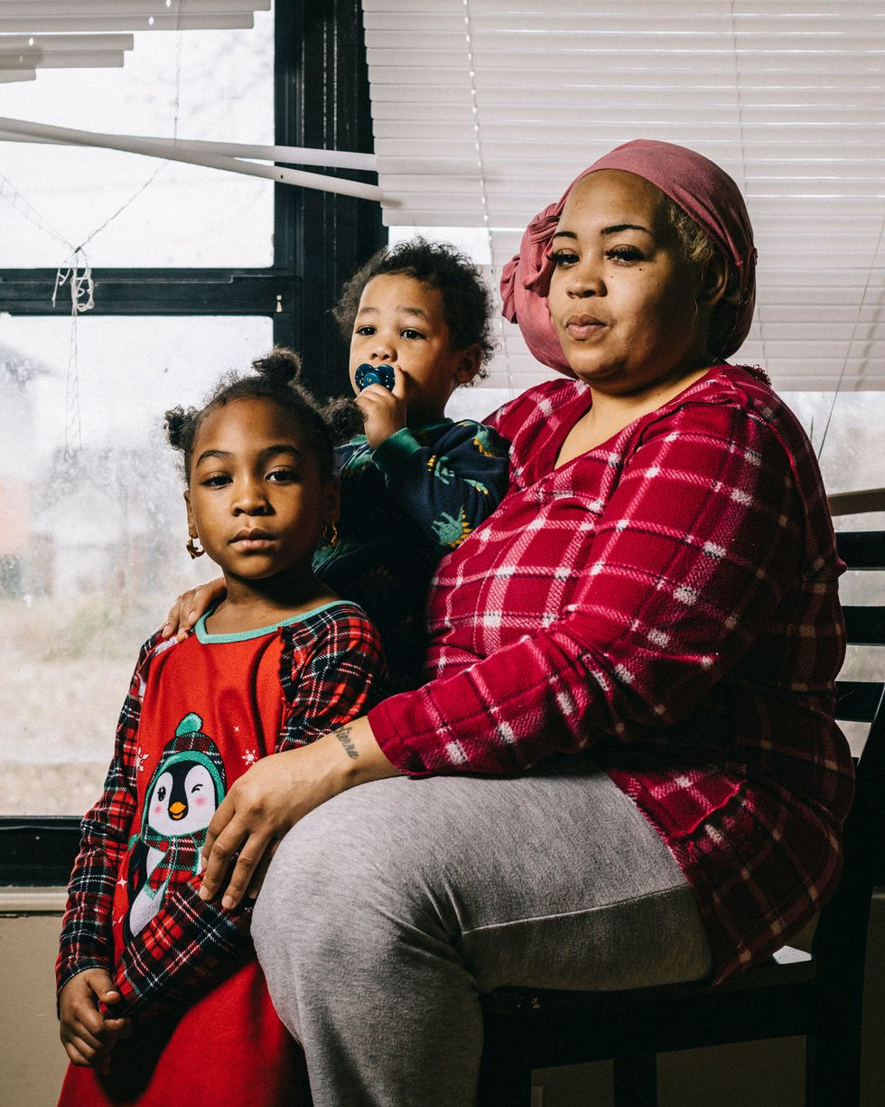 HUD took over a Missouri town's housing authority 22 years ago  -  now they're broke and residents are suffering