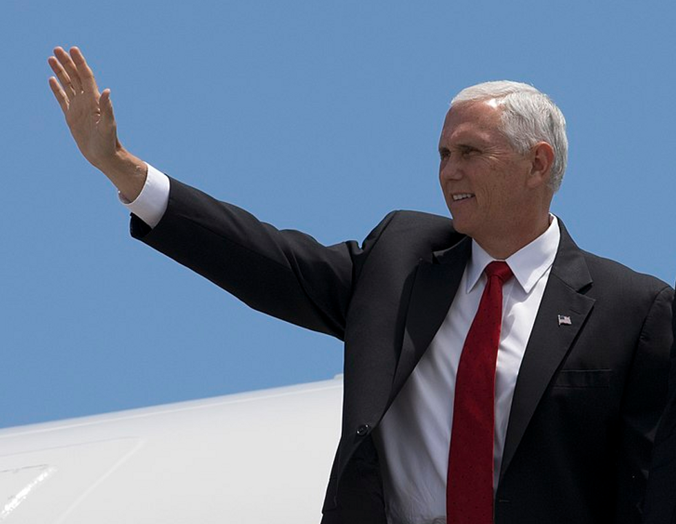 Internet Explodes With Fury at Pence for Hosting 'Christian Rabbi' to Pray for Synagogue Victims