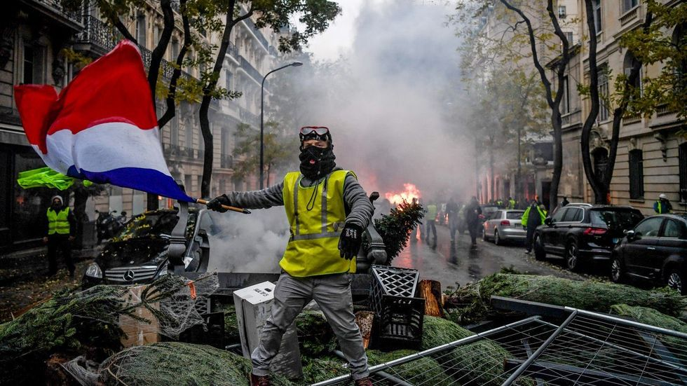 French populists from the '50s can teach us a lot about the 'yellow vests' roiling Paris today