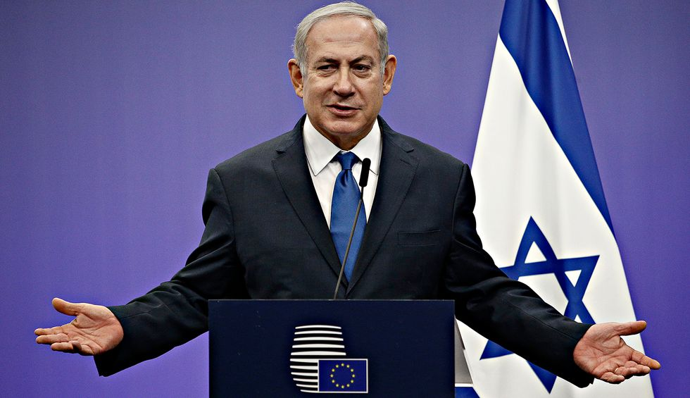 Holocaust survivor's son rips Netanyahu 'shill' Trump in scathing editorial