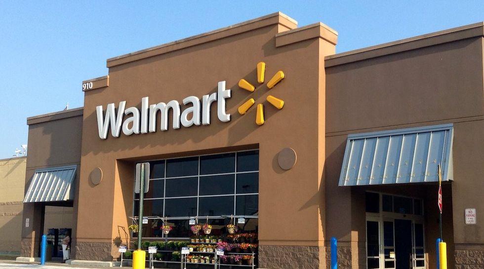 Gunman kills 3 at Oklahoma Walmart