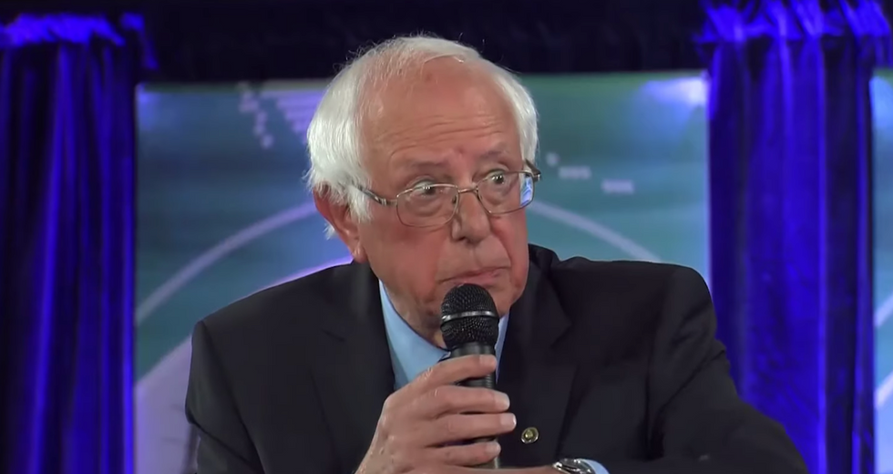 Bernie Sanders refutes 'ludicrous' claims made  by CNN about Warren meeting
