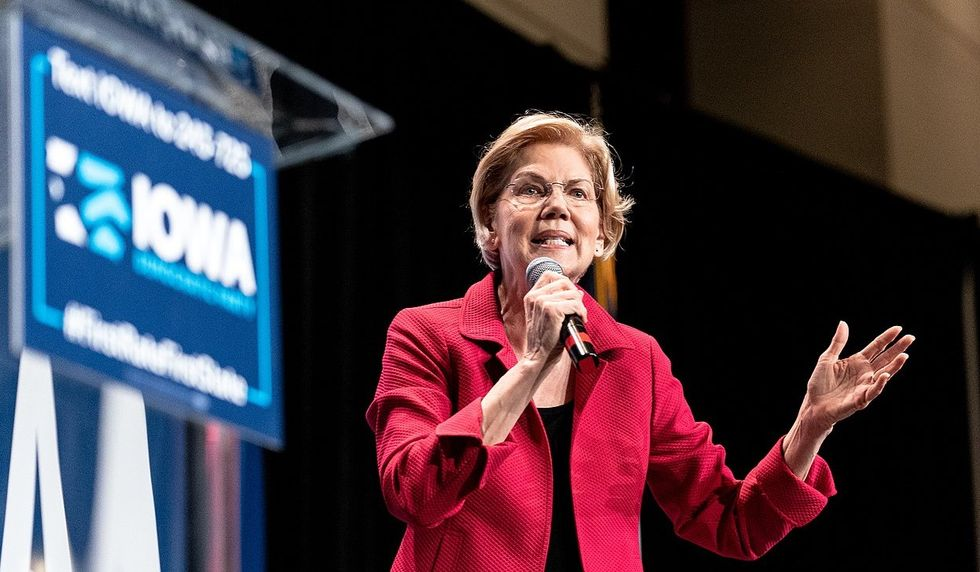 The right-wing smear campaign against Elizabeth Warren kicks into gear — with a little help from the left
