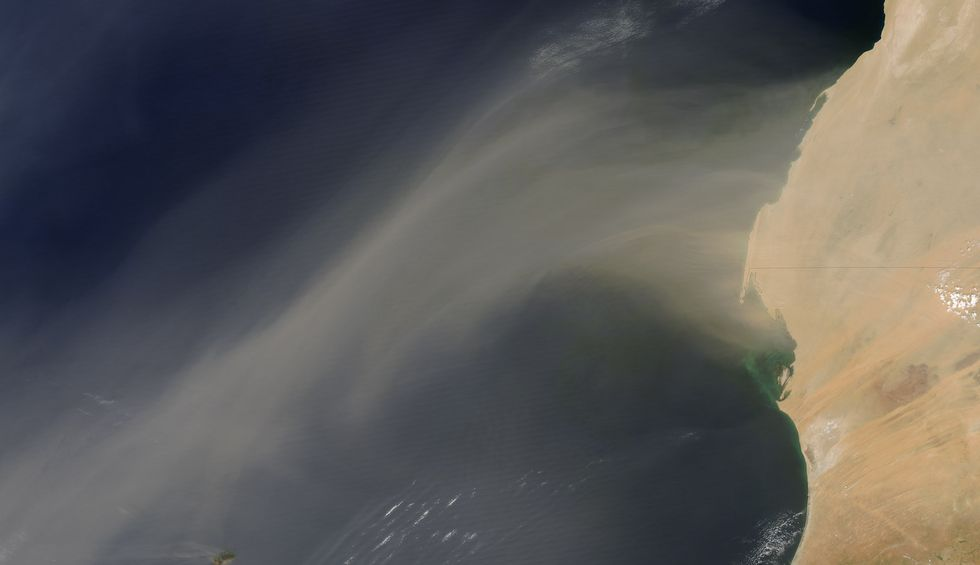 A massive hot cloud of dust is coming to the United States from the Sahara desert