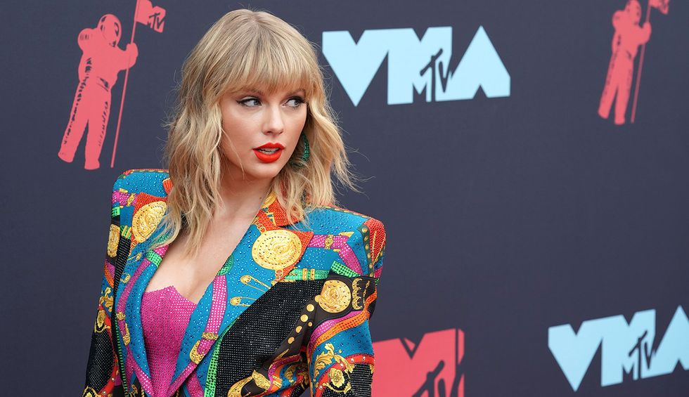 Ocasio-Cortez and Elizabeth Warren defend Taylor Swift against 'predatory practices' of private equity groups: 'They're gobbling up more and more of our economy'