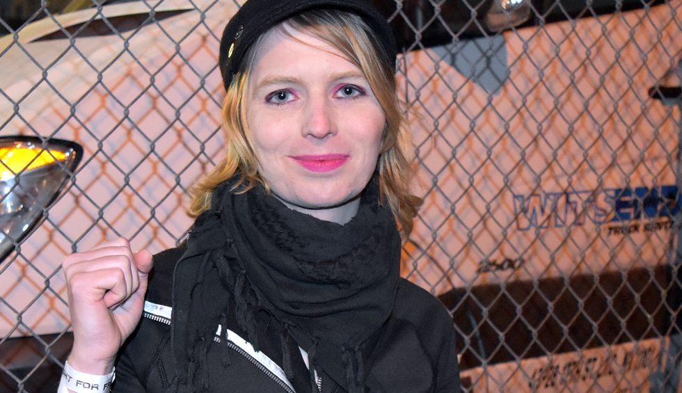 Chelsea Manning recovering after attempting suicide in jail