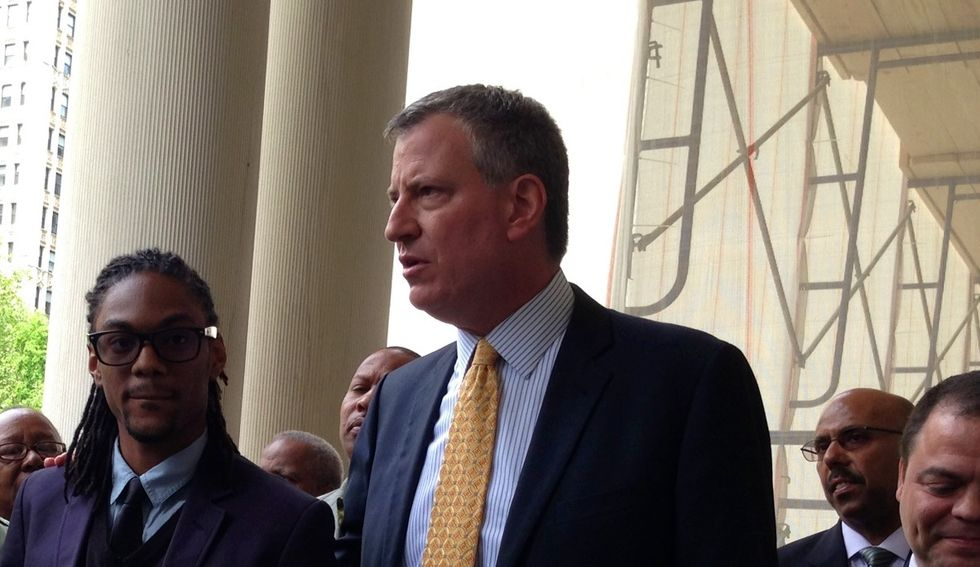 NYC mayor's staffers are fleeing as he gets slammed for 'letting the cops run over him and the entire city'