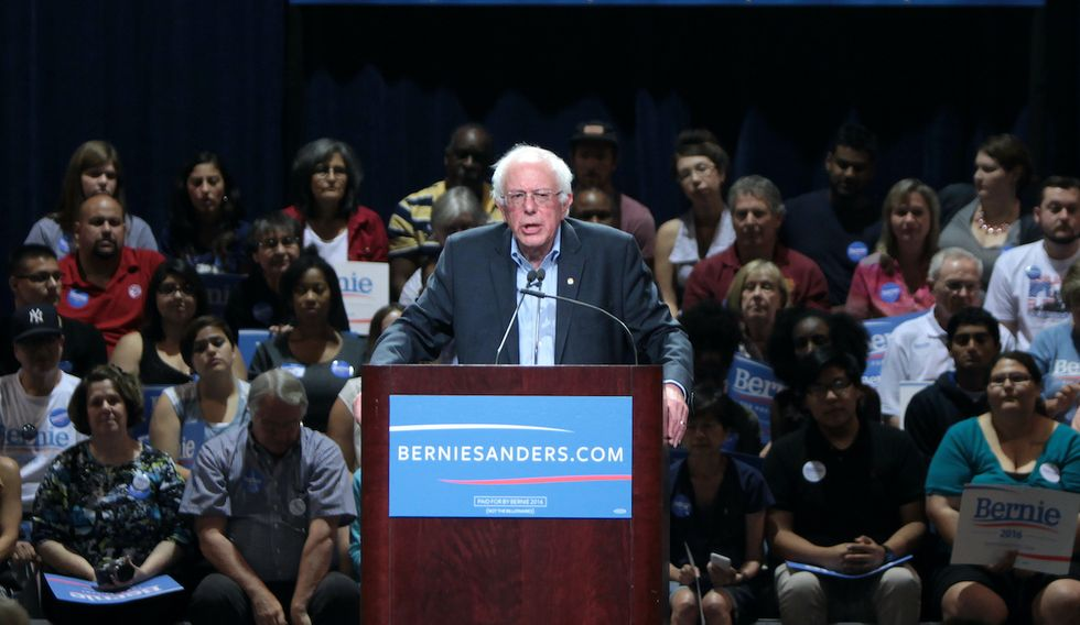 Fox Business' Charles Payne mocked for blaming stock market plunge on Bernie Sanders' Nevada win