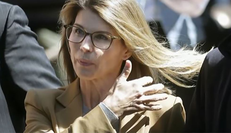 Lori Loughlin accused of withholding evidence in college admissions scandal