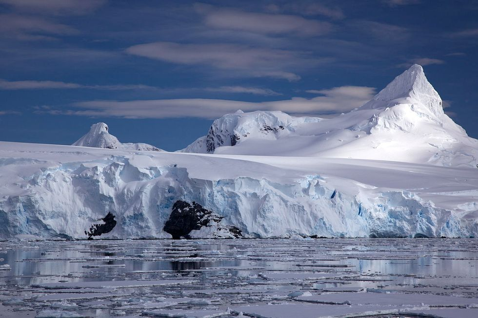 Scientists sound the alarms as temperature in Antarctica reaches record high
