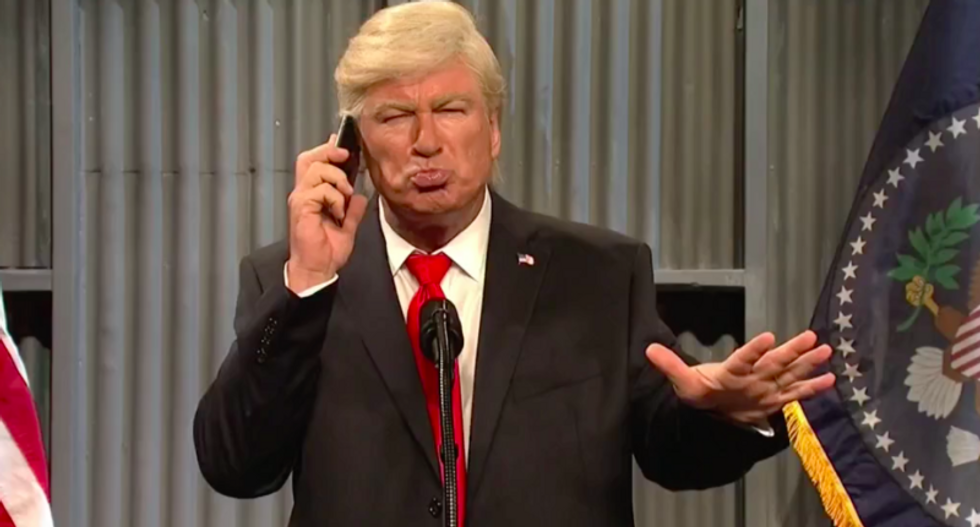 SNL's 'Donald Trump' and 'Nancy Pelosi' face off in a hilarious game of 'Deal or No Deal'