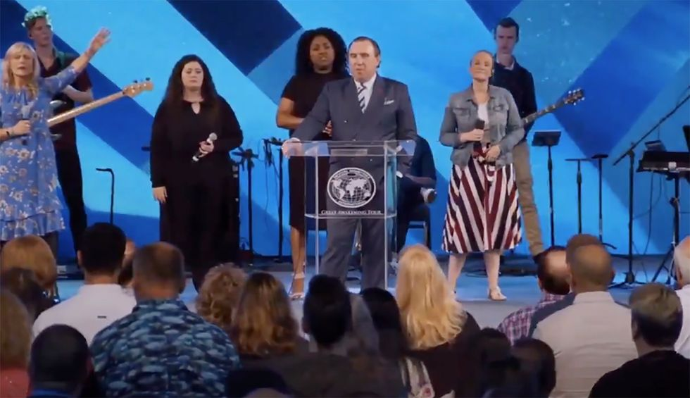 'If we die, we die for Christ': Florida megachurch pastor encourages congregation to keep coming to service