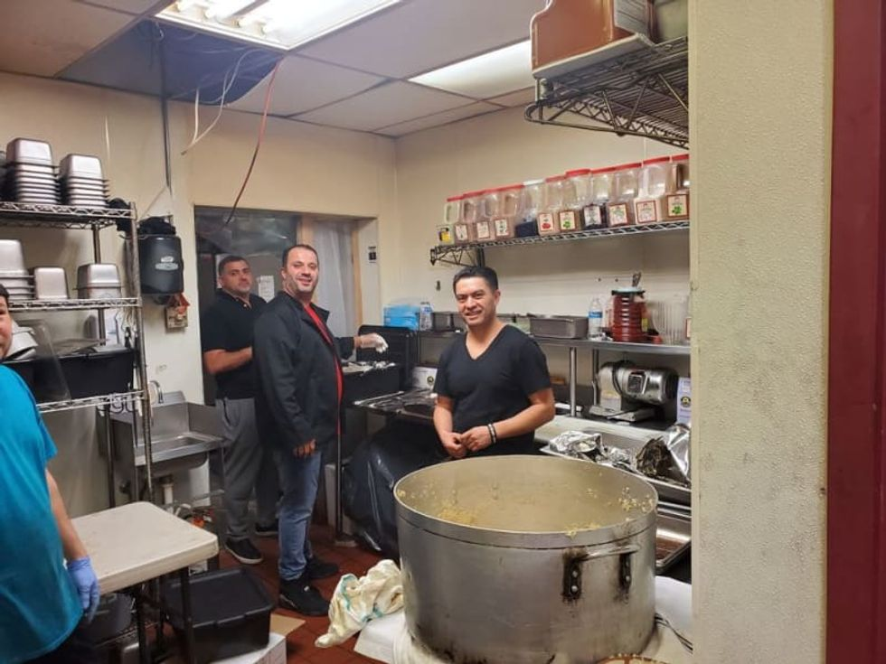 1,000 meals for seniors and counting: Meet the coronavirus guardian angels with a grill