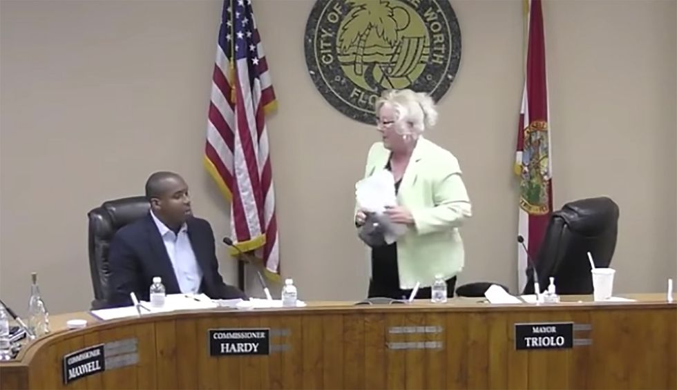 The best politician in America today is a city commissioner who chewed out the worst mayor in Florida