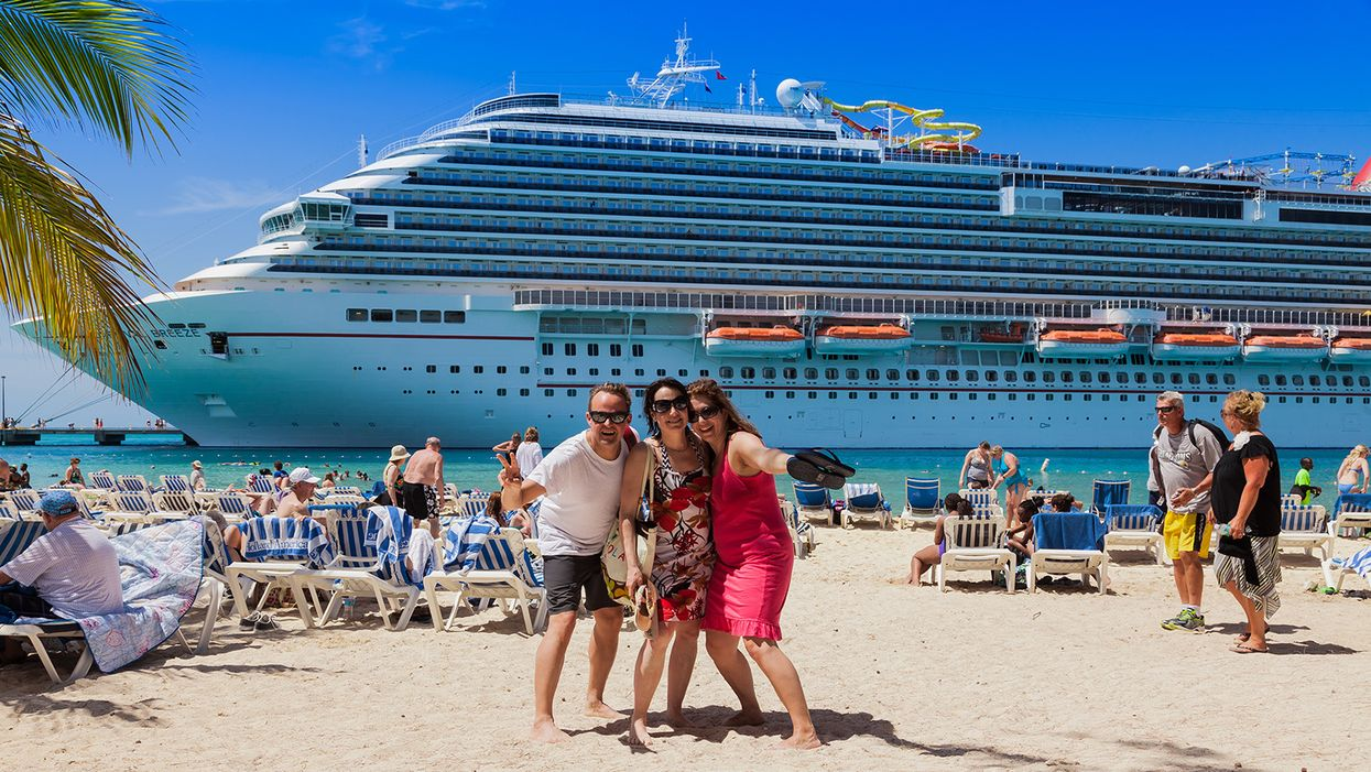 Norwegian pushes back against DeSantis with threat to enforce fully vaccinated cruises