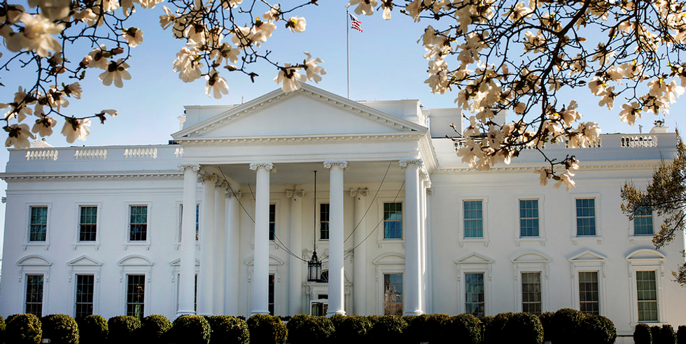 A man set himself on fire in front of the White House