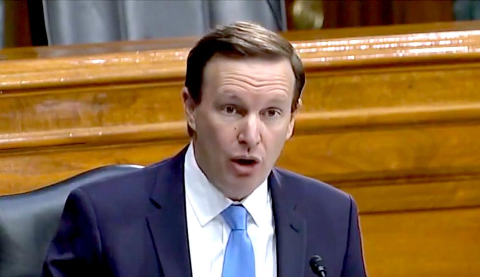 'Infuriating': Democratic Senator pinpoints the key contradiction in the Trump administration's coronavirus plan