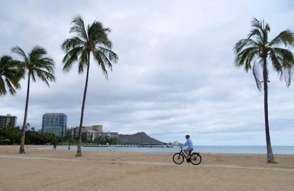 Hurricane Douglas spares Honolulu, skirts Hawaii