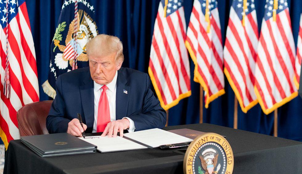 Memo exposes Trump's unemployment insurance plan as a farce