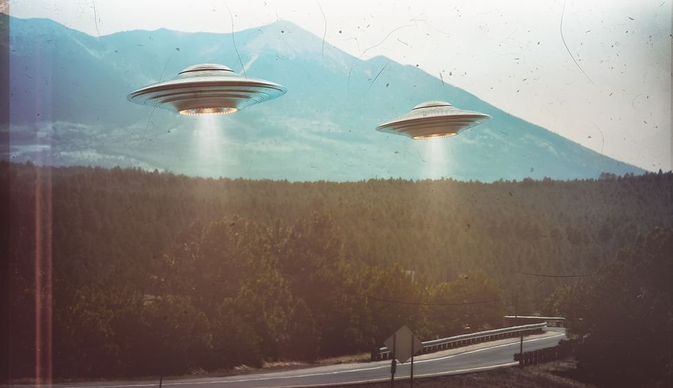 Skeptics lay out the rational explanations for military pilots' UFO videos