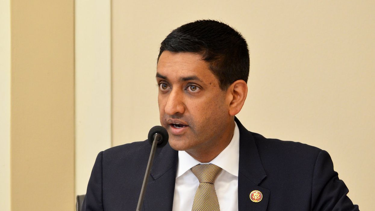 Ro Khanna urges Democrats to strike COVID relief deal with White House: 'People are suffering'