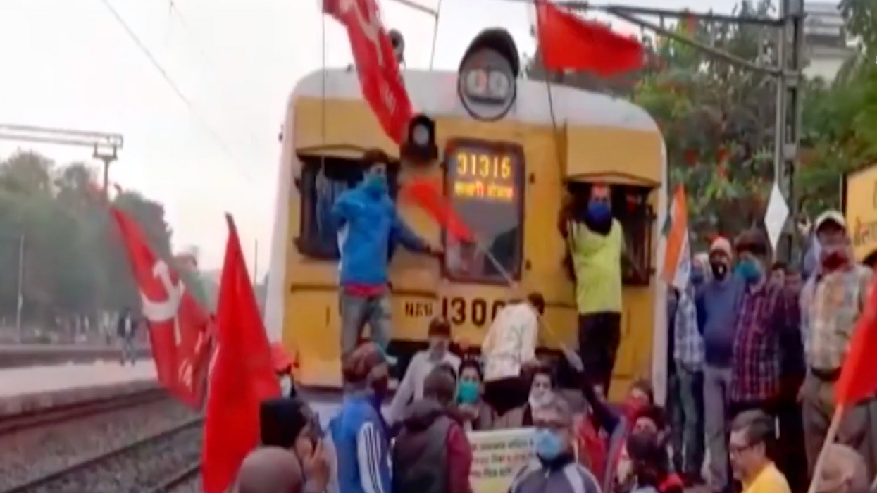 'This is a revolution, sir': Millions of Indian workers launched a general strike and 'converged' with farmers' protest