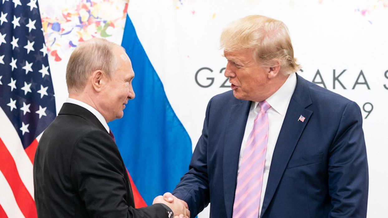 Ex-adviser explains how Trump left the administration 'compromised by the Russian government'