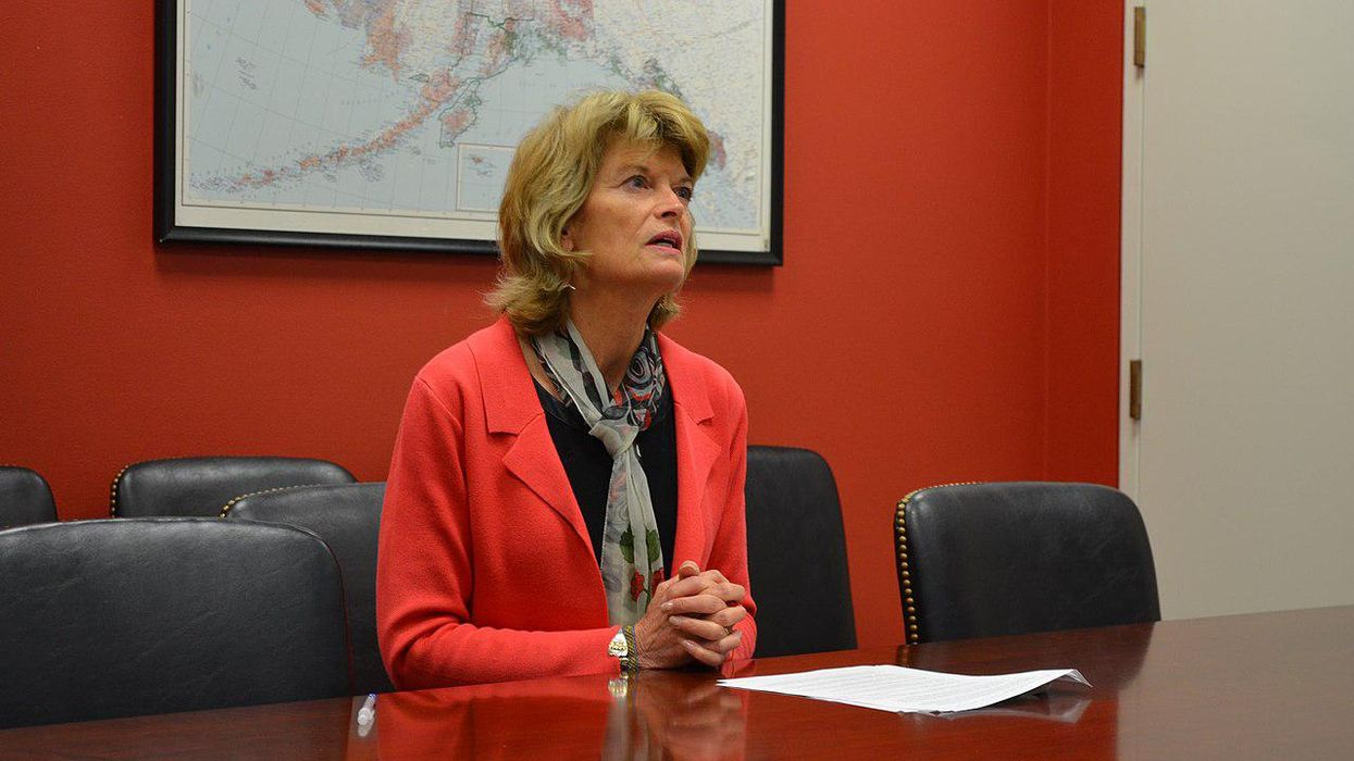 Trump's aversion to long flights may interfere with his vendetta against Lisa Murkowski: report