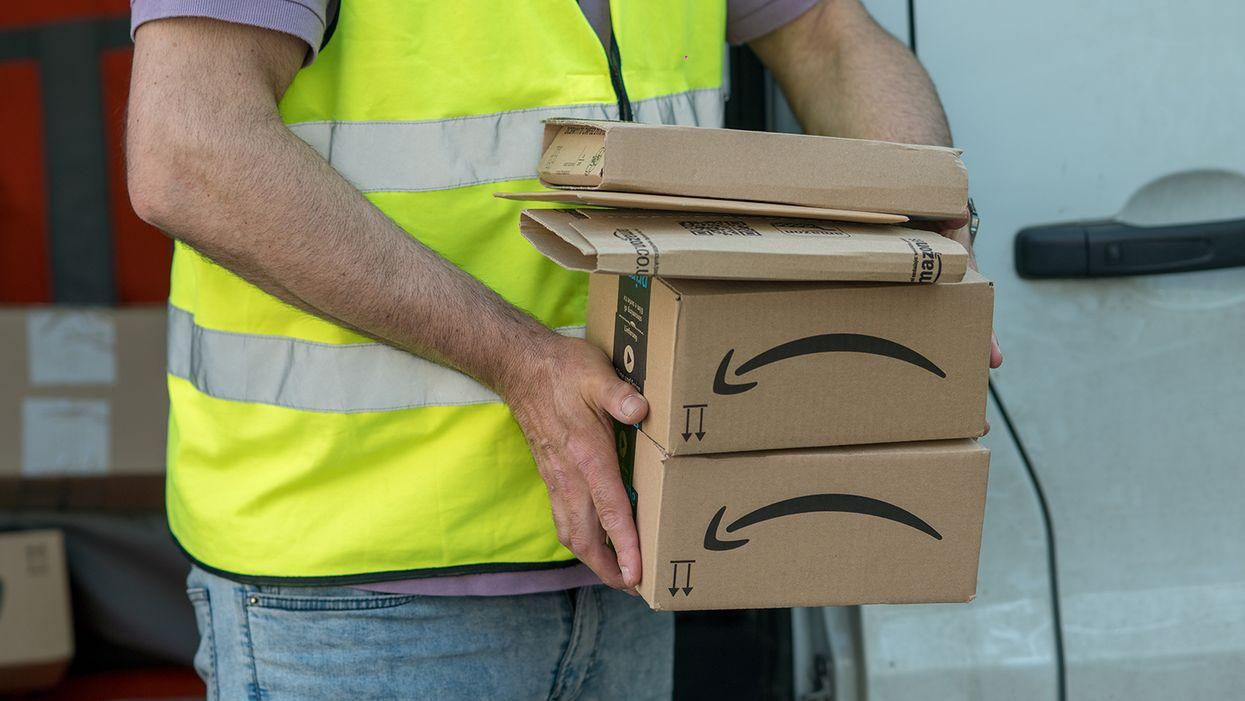 Amazon admits drivers do sometimes pee in bottles
