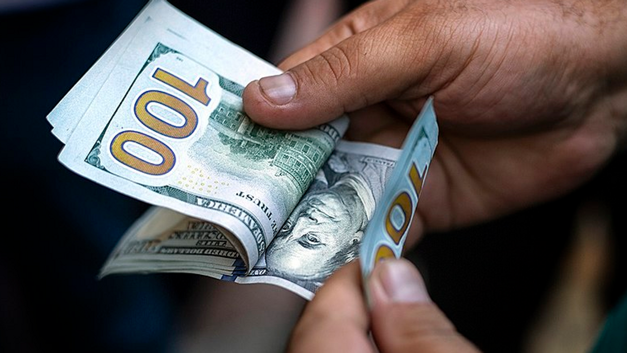 'From drug cartels and human traffickers to Russian oligarchs and African kleptocrats': How America became the #1 choice for money-laundering