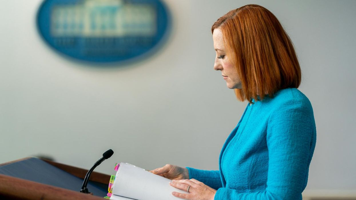 A right-wing reporter gets stumped when Jen Psaki pushes back on her ridiculous and trivial question