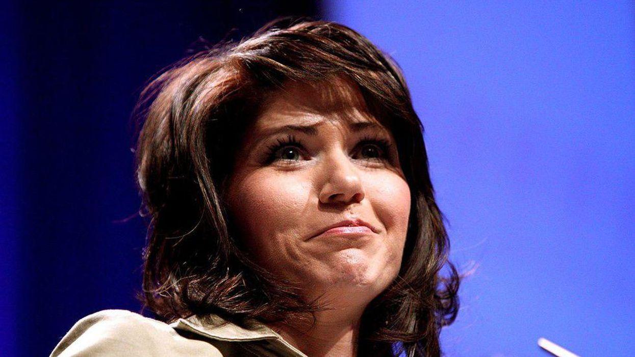 Singer Reba McEntire distances herself from South Dakota GOP Gov. Kristi Noem