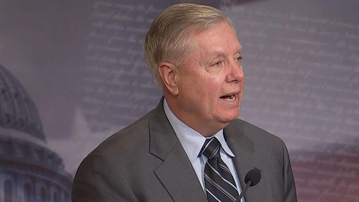 'Criminal mishandling': Lindsey Graham fact-checked after offering new defense of Trump's disastrous COVID-19 response