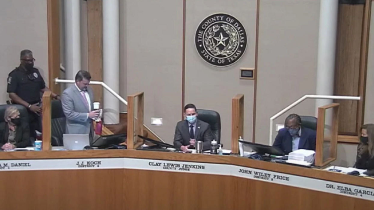 Dallas County commissioner kicked out of meeting after refusing to wear mask
