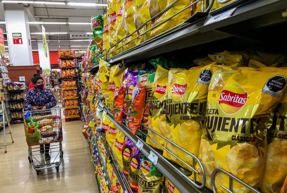 By banishing cartoons and adding warnings, Mexico takes on obesity