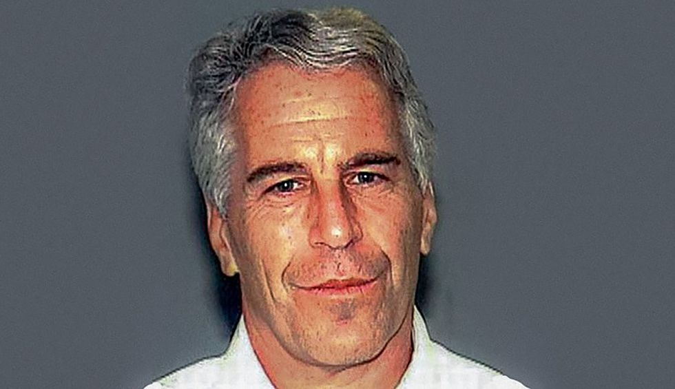 Reporter reveals that Jeffrey Epstein claimed in confidential meeting to have 'dirt on powerful people'