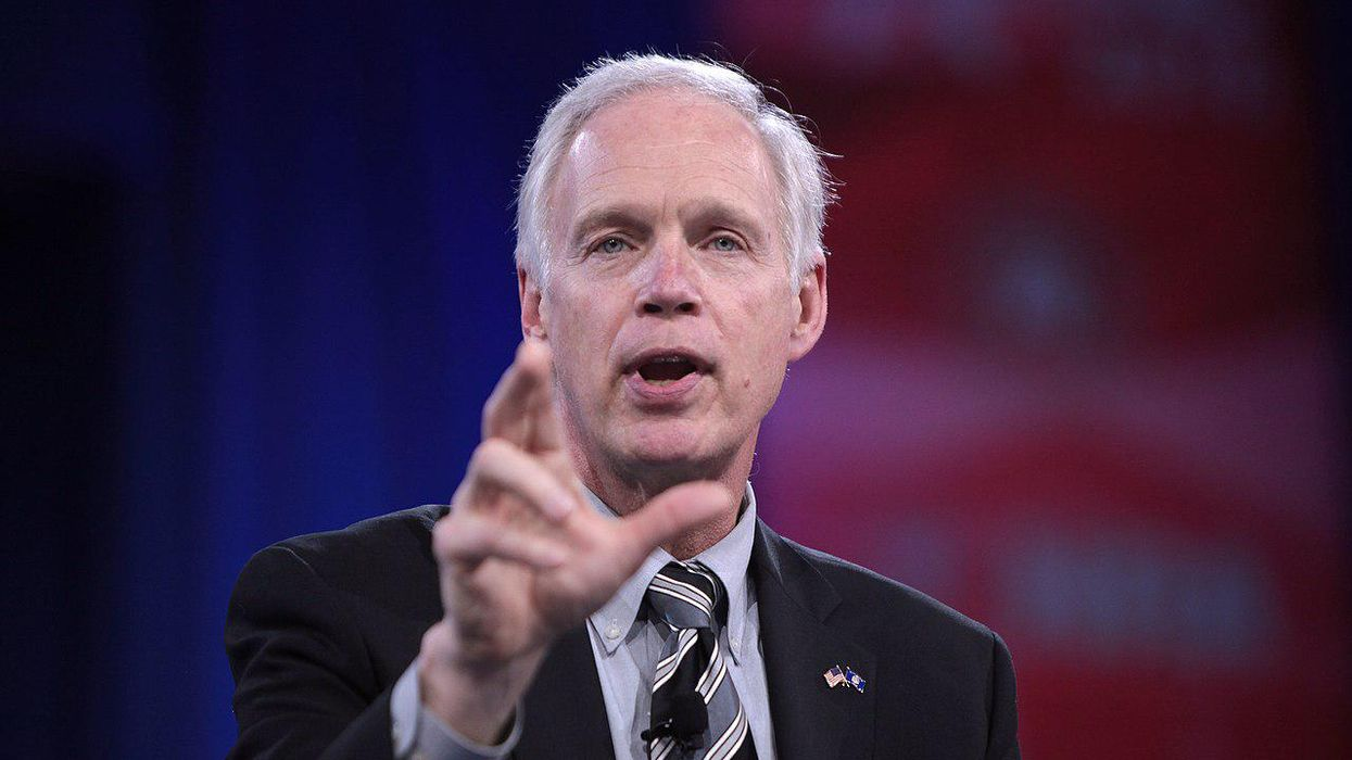 Wisconsin newspaper slams Ron Johnson: A 'con artist' whose 'grifting' made his billionaire cronies even richer