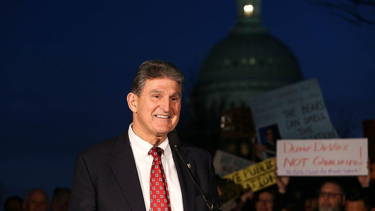 Journalists break down Manchin's 'considerable financial interests' in fossil fuels