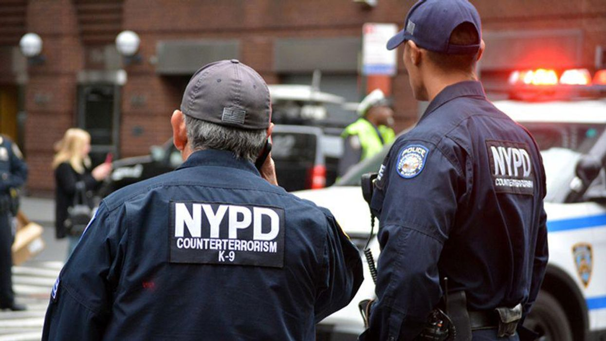 Leaked emails reveal connections between the Oath Keepers and two NYPD officers
