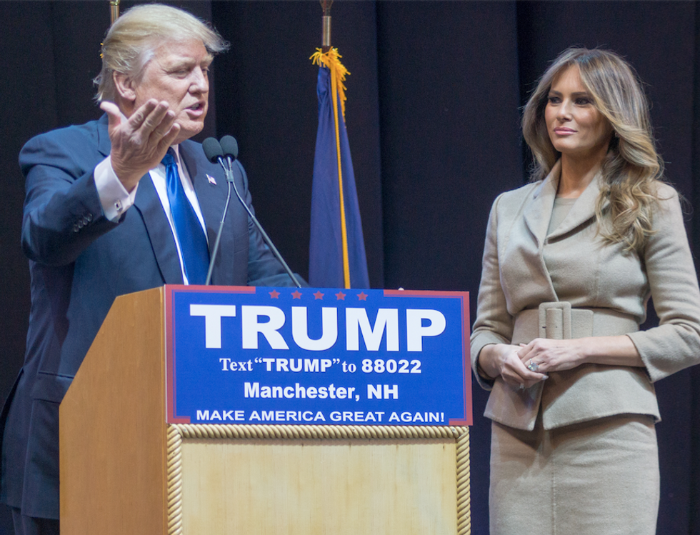 Body language experts have hilarious takes on the 'distant pained' marriage of the Trumps