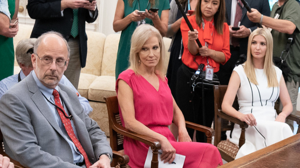 White House aides frantic to dump Giuliani before he further damages Trump: 'It's so messed up'