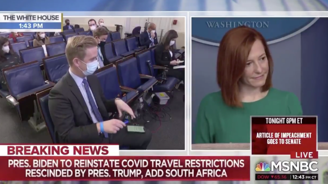 Fox News reporter mocked for 'gotcha question' after WH press secretary refuses to take the bait