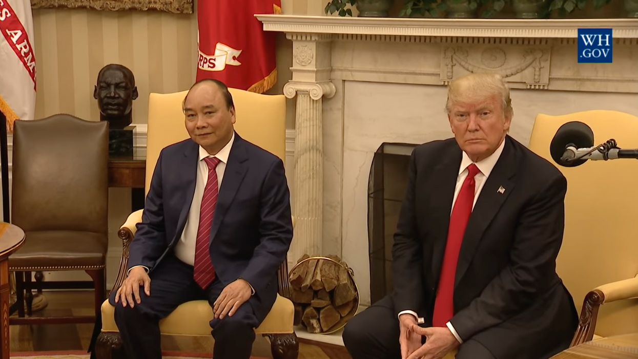 Behind the scenes of Donald Trump's strange White House meeting with Vietnam's prime minister